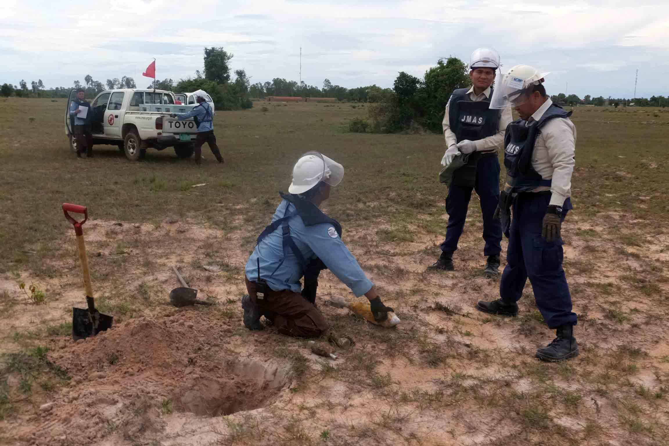 トレーニング爆破処分要領確認および指導
