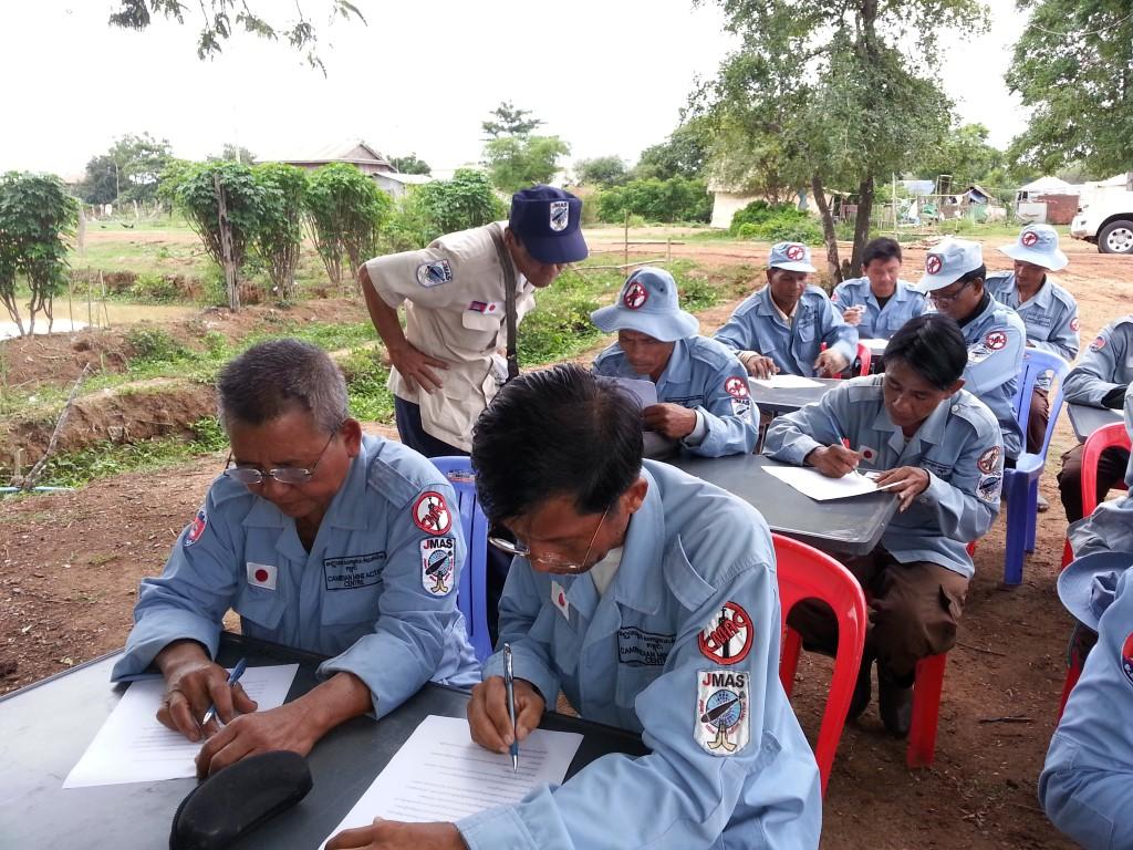 CBPD 屋外臨時教場で機動小隊修了試験を実施