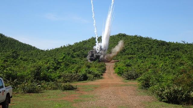 WP発煙弾と20ポンド爆弾処分