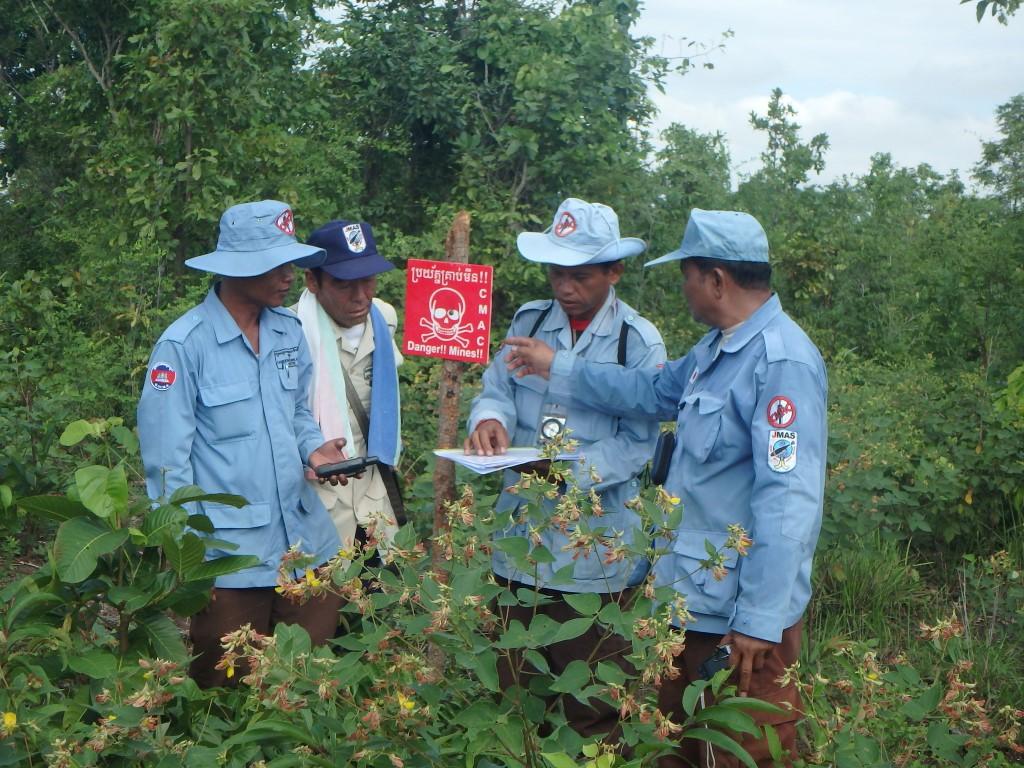 CBPD DMリーダーサベイ班によるA1ブロック地雷境界線の再確認