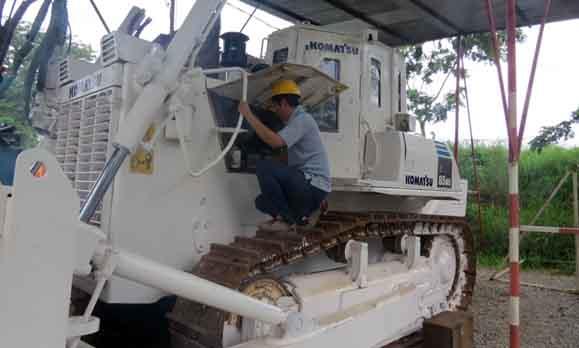 機材整備佐々木