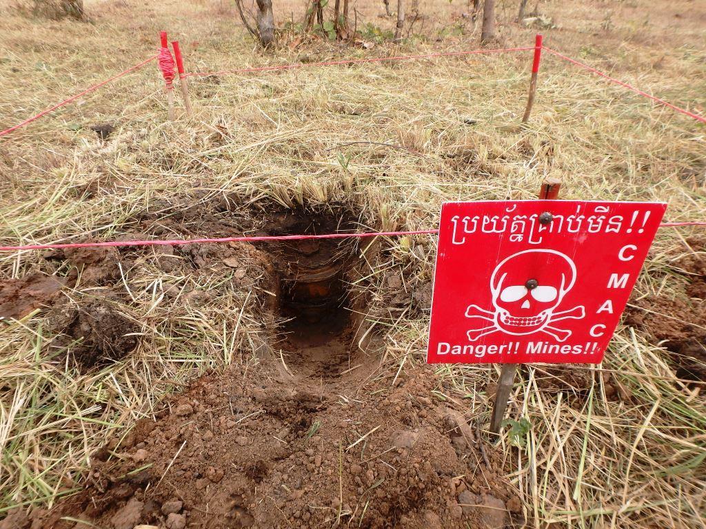 CBPD B 2ブロックから2段重ねの対戦車地雷を発見